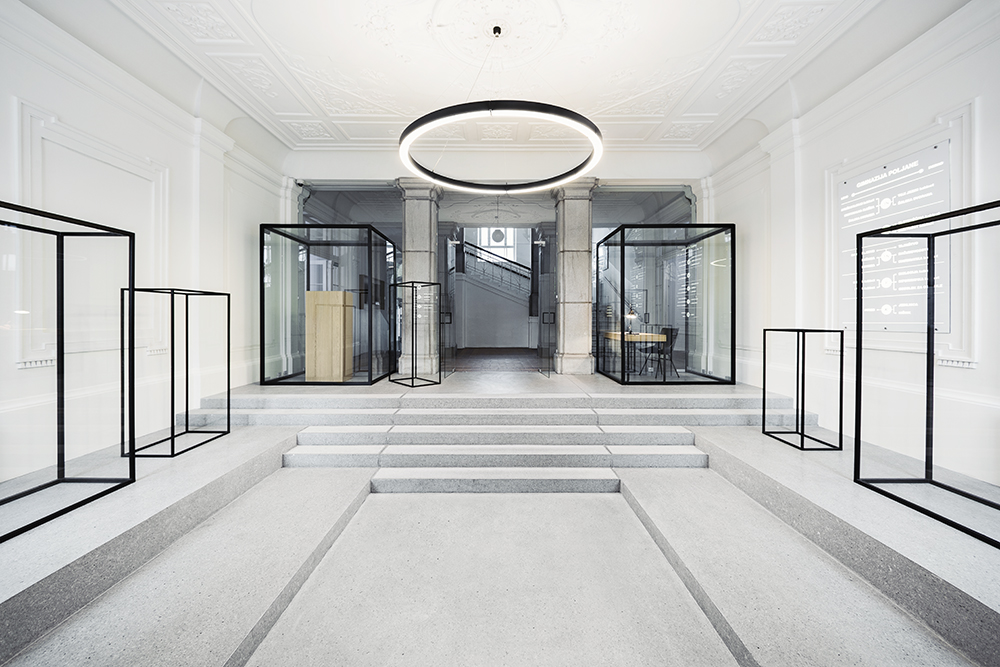 9 Frames Hall, Poljane Grammar School, 2015 Renovation of the entrance hall Architecture: Svet vmes (Jure Hrovat, Ana Kosi, Ana Kreč) Photo: Matevž Paternoster