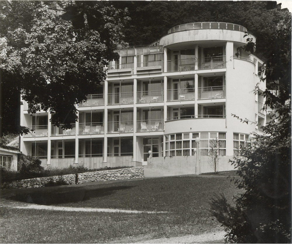 Hotel annex Bogatin in Bled (with Aleš Vodopivec) 1985, constructed 1986; Photo JK Architecture: Jurij Kobe, Aleš Vodopivec Collaborator: Mladen Lukas