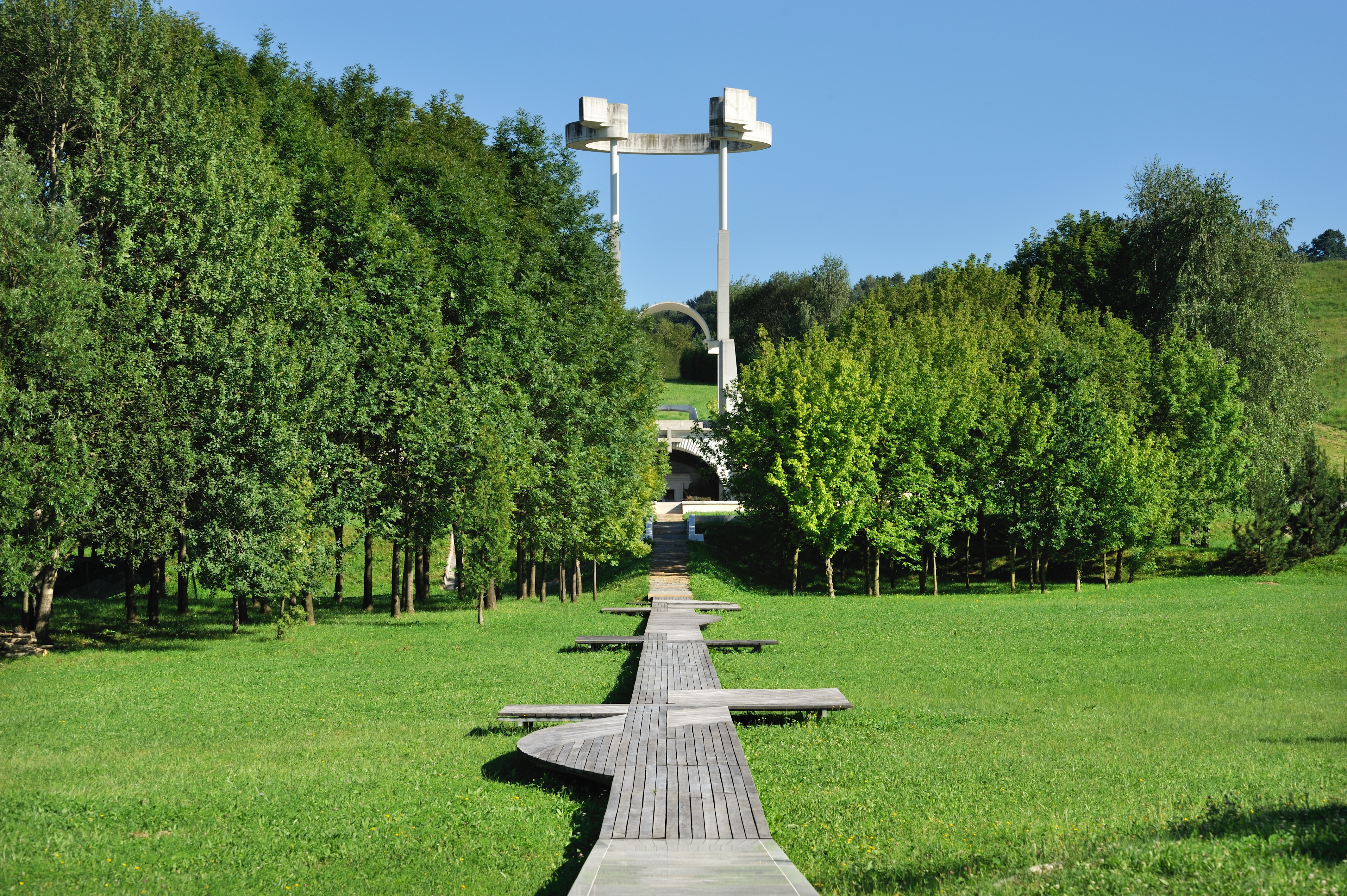 Teharje Memorial Park, first prize at a competition and execution, 1993–2007. Author: Marko Mušič Photo: Miran Kambič